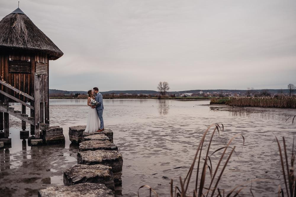Julia und Nico – bezauberndes Winter After Wedding Shooting im fränkischen Seenland