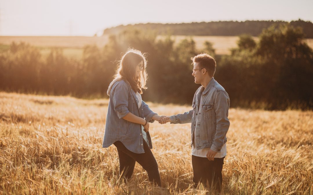 Jakob & Laura – Sonnenuntergang, Kornfeld und ganz viel Liebe!