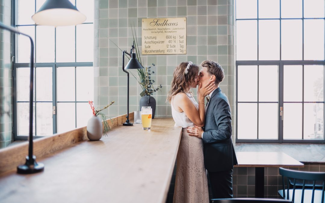 Melanie und Frank – moderne Hochzeit im Humbser und Freunde in Fürth